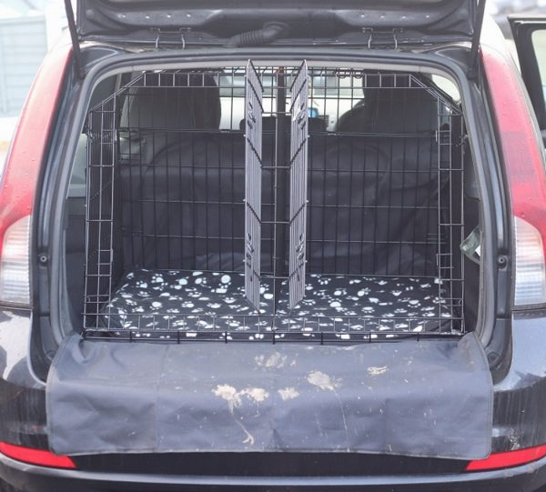 Volvo V5O. pet travel cage